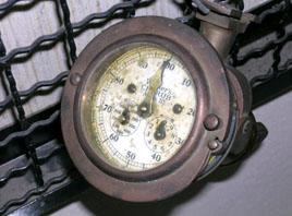曳繩測速(程)儀的紀錄器