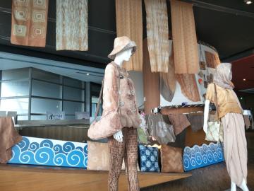薯榔海水染服飾