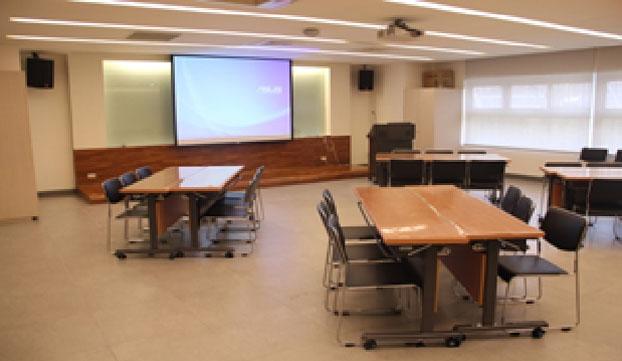 科教教室(F115)